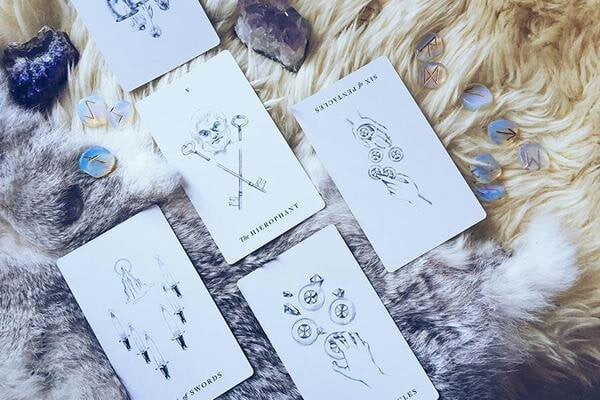 What is the History of Tarot and how does it work?